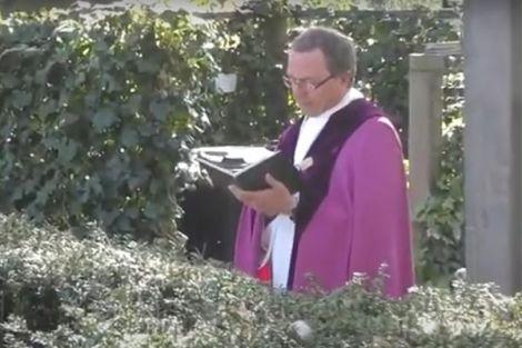 Inwijding strooiveld begraafplaats St. Willibrordkerk Bergschenhoek